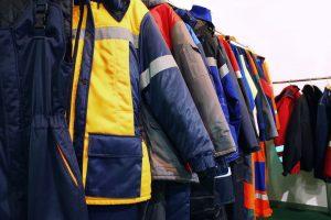 مناقصه لباس کار در اصفهان
